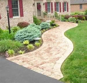 nice sidewalk and driveway